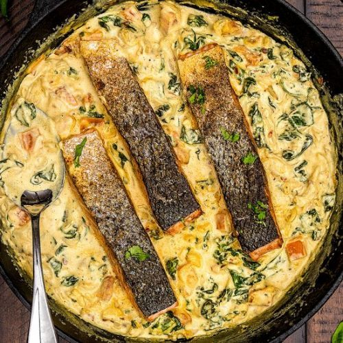 Salmon in Creamy Curried Spinach