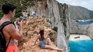 Greece attracts international tourists before reopening