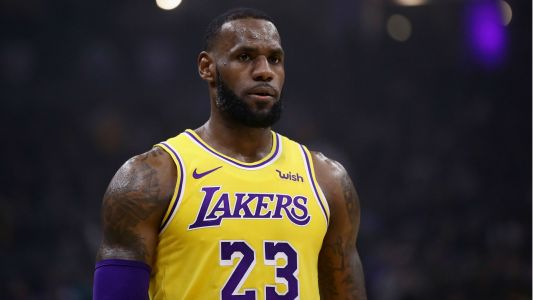 NBA wrap: LeBron James scores 51 in Lakers win over Heat; Warriors fall to Spurs