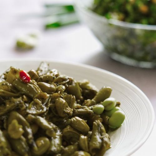 Garlicky Green Broad Beans In EVOO
