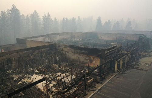 'So overwhelmed': California volleyball team helps athletes from community destroyed by wildfire
