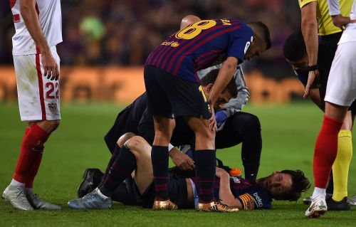 Lionel Messi scored a goal, created another, but then fractured his arm and is now sidelined for the biggest FC Barcelona match of the year