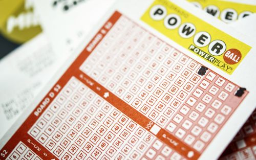 No winner in Saturday's Powerball drawing; jackpot rises to $620 million