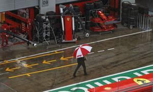 Hamilton shows he's the best in the rain with a superb pole