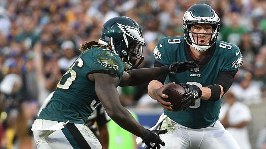 Carson Wentz injury changes little for Eagles, everything for other NFC playoff contenders