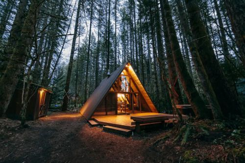 A Quaint A-Frame Cabin in the CascadesWho doesn't love an
