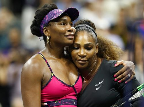An Australian football club has issued a grovelling apology after its players dressed in blackface as Serena and Venus Williams