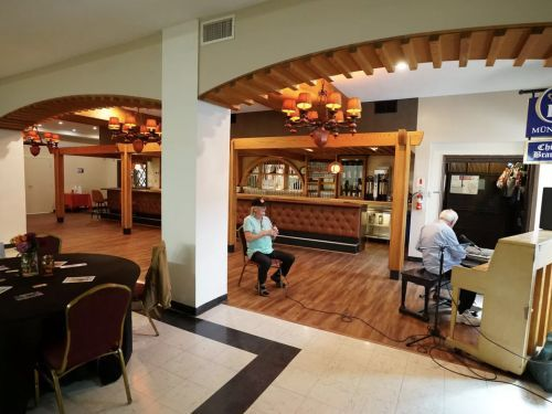 Chicago Softens COVID-19 Indoor Restrictions for Restaurants and Bars