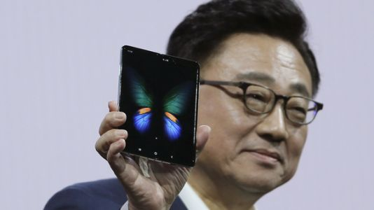 Samsung Delays Launch Of Folding Phone After Reviewers Found Broken Screens