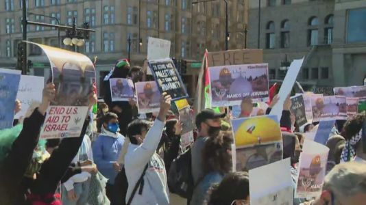 Hundreds of Pro-Palestinian protesters march in Chicago as Middle East violence intensifies