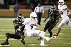 Torrey's 92-yard TD run helps UNT beat FAU 41-38
