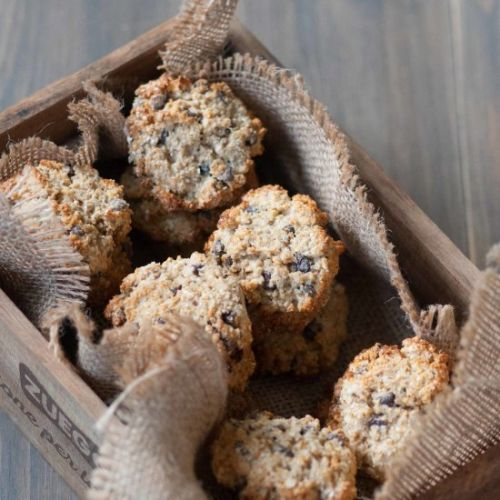 Cookies with oatmeal and chocolate