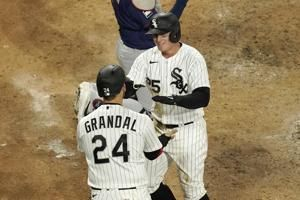 Vaughn hits 1st HR, White Sox top Twins 13-8, win 5th in row
