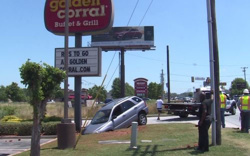 Restaurants reopen after crash causes water main problems