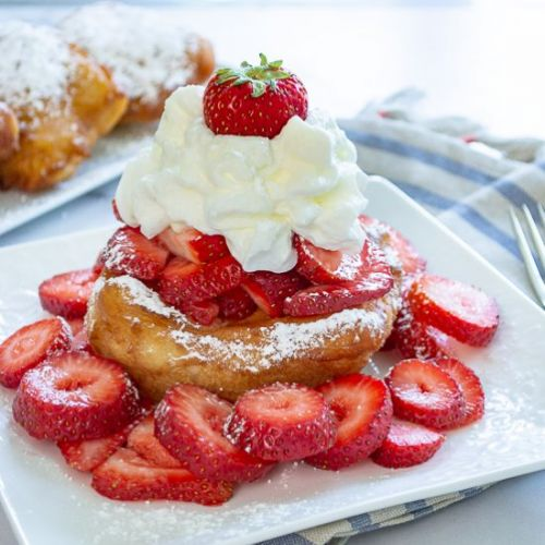 Beignets with Strawberries