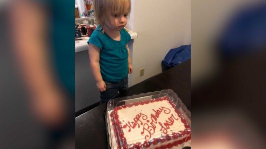 Mom stunned to find 2-year-old's cake reads 'Happy Birthday, Loser'