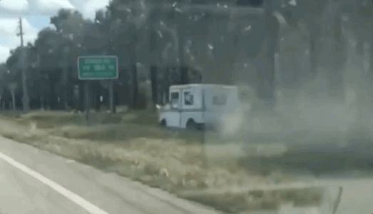Watch This Mail Truck Go Off-Roading Past Traffic in Florida