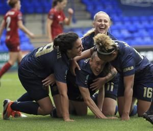Man United women's team off to winning start