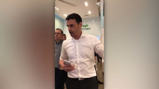 Lawyer in video rant over Spanish speakers apologizes