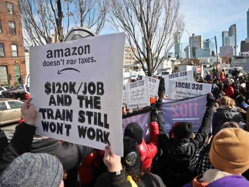 New Yorkers are storming one of Amazon's stores in protest of HQ2. Here are all the reasons why people are furious