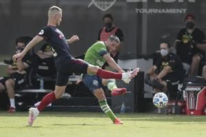 Rookie Pineda's goal gives Fire 2-1 win over Sounders