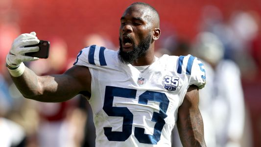 Colts' Darius Leonard says he was racially profiled, kicked out of Chipotle