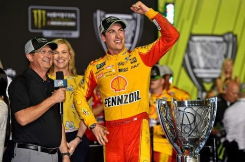 Joey Logano wins 1st Cup Series championship
