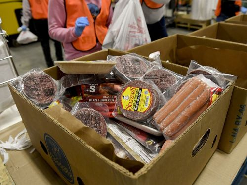How Some School Districts Are Able to Feed More People in Need Than Food Banks