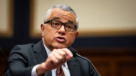 'Excessive punishment': CNN brings back pundit Jeffrey Toobin, eight months after he exposed himself on Zoom call with colleagues