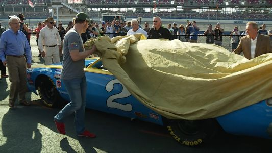 PHOTOS: Talladega gives Dale Jr. incredible gift ahead of last race