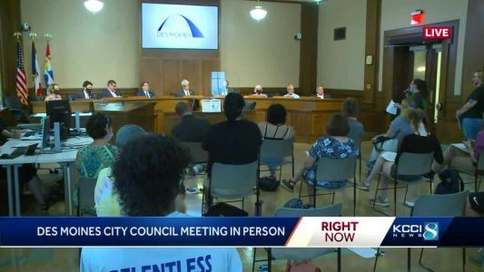 Des Moines City Council conducts first in-person meeting since March 2020