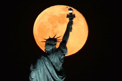 Here's How To Watch The Final Supermoon of 2021