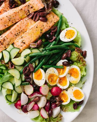 This Salmon Niçoise Salad Is the Perfect Easy Meal for Summer