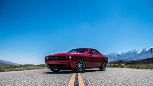 Your Ridiculously Awesome Dodge Challenger Wallpaper Is Here