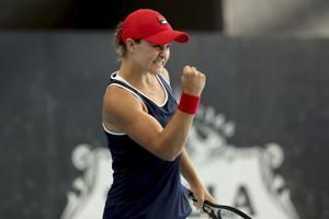 Top-ranked Barty wins 1st title at home ahead of Aussie Open