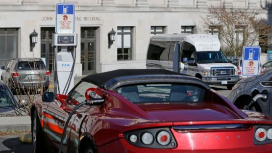 Republican Tax Bill Compromise Keeps Electric Vehicle Tax Credit: Report