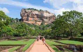 More than 7,000 tourists arrive in Sri Lanka so far in October