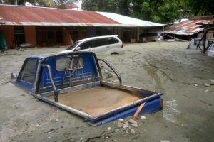 Flash floods and mudslides in eastern Indonesia, 58 dead so far