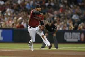 D-backs avoid sweep, top Giants in Bochy's Arizona farewell
