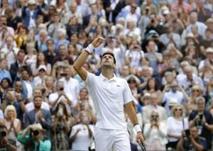 Djokovic defeats Federer in marathon fifth set to win second straight Wimbledon title