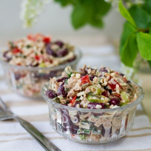 Kidney bean and tuna salad