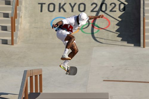 GALLERY: 1st Olympic medals awarded for skateboarding's debut at Tokyo Games