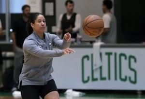 Duke hires Celtics' Lawson to lead women's basketball team