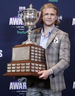 Devils' Taylor Hall edges MacKinnon, wins NHL MVP award