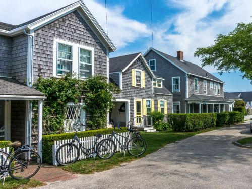 Wealthy homeowners in Nantucket are building bars in their homes to get around the island's 10 p.m. noise ordinance, and that's not even the most extreme way the 1% are tailoring their homes to their tastes