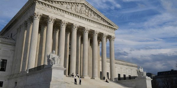 Mississippi asks the Supreme Court to overturn Roe v. Wade in upcoming abortion case