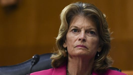 Murkowski Struggles With Whether To Support Trump Reelection