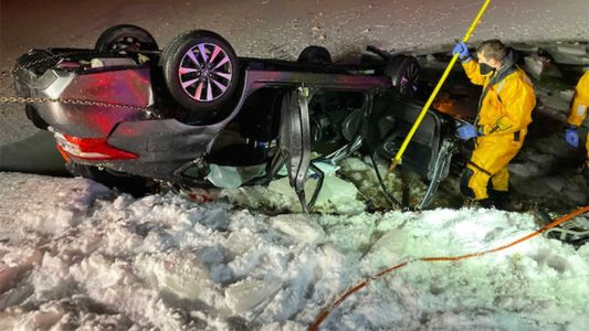21-year-old man dies of injuries after crashing vehicle into icy pond