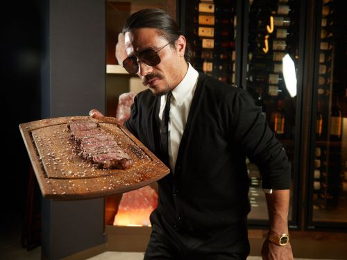 Salt Bae Is Making Londoners So Thirsty They're Reviewing His Restaurant Before It Has Opened