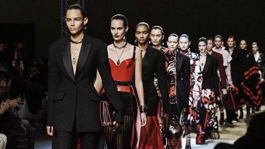 5 Ways How Luxury Fashion Affects Society in a Positive Way